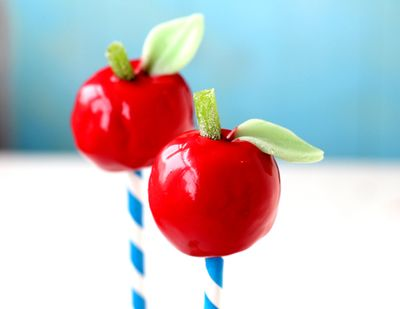 An-apple-a-day-cakepops