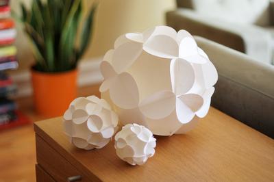 DIY-paper-ball-tutorial