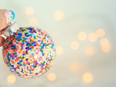 Cool-filled-diy-christmas-tree-ornament-1-500x379