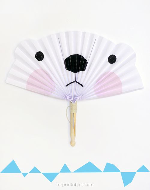 Polar-bear-paper-fan