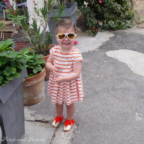 mini look lunettes blanches polarisées babiators