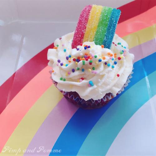 Rainbow-Cupcakes-Poppy-Party-TROLLS