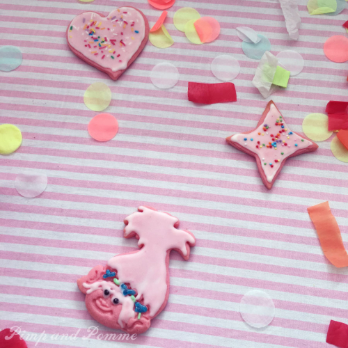 Poppy-Cookies-Royal-Icing