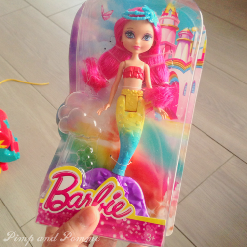 Barbie-Rainbow-Mermaid-Sirene-Arc-En-Ciel