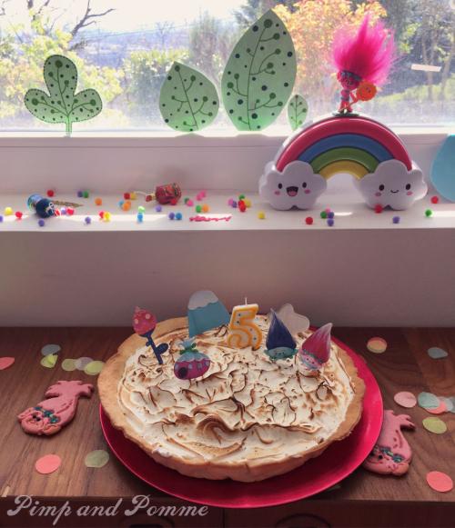 Birthday-Poppy-Cake-Trolls-Party