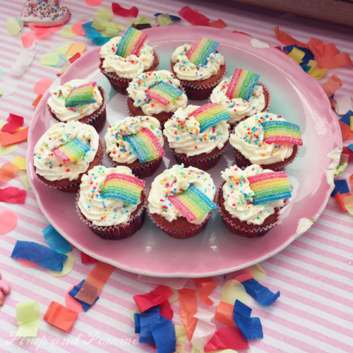 Rainbow-Cupcakes-Yummy-Poppy-Party