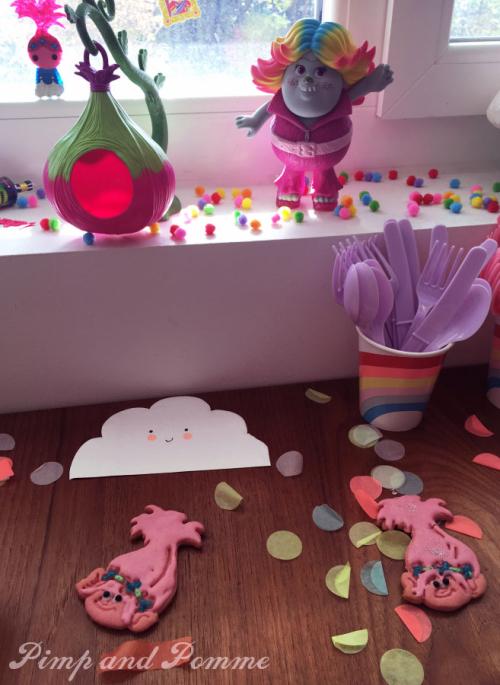 Poppy-Cookies-Rainbow-Party