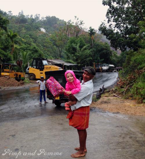 Ella-River-Cave-Sri-Lanka-voyage-kidfriendly