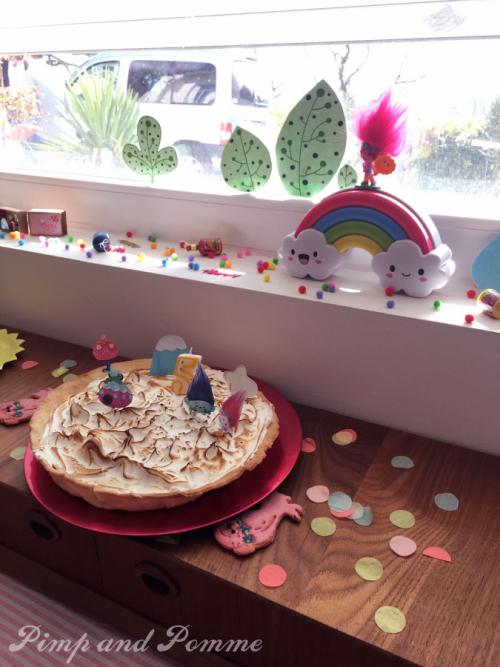 Trolls-Cake-Sweet-Table