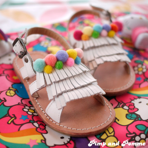 DIY-Pom-Pom-Shoes-TAO-Sandales-customisation-sandales-rainbow-tapealoeil